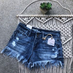 New Hippie Laundry Distressed Jean Shorts Size 25